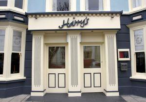 Harry's Hotel, Bar & Bistro