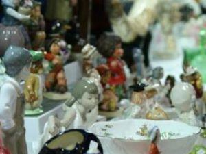 Colin Caygill Antiques Fair