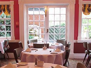 Elme Hall Hotel Restaurant