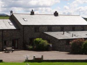 Cobblestone Cottage and Wallers Barn