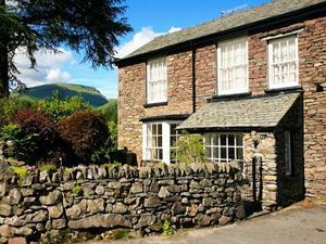 Pavement-End-Cottage-Grasmere-9
