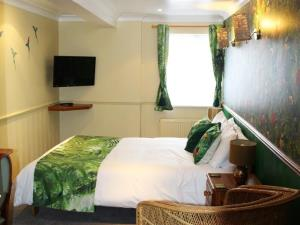 Double Room Kingsize Bed