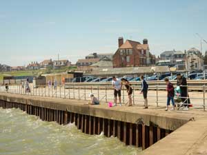 Gorleston Quayside and Town Walk