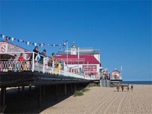 Britannia Pier & Great Yarmouth Central Beach