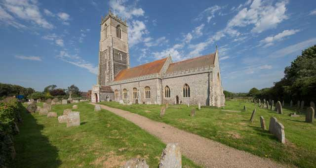 Explore Winterton-on-Sea