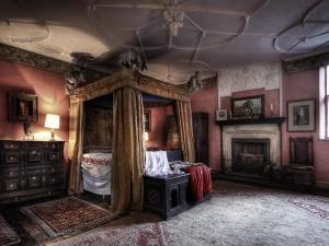 Hellens Manor - Bloody Mary's Room