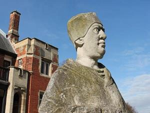 Abbey Park statue of Cardinal Wolsey