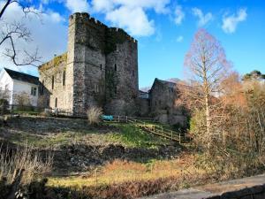 Brecon Castle Hotel & Gardens