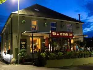 Usk and Railway Inn