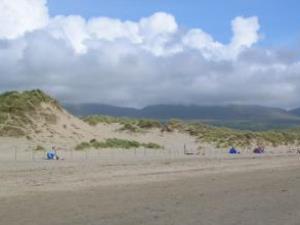 Dyffryn (Llanendwyn) Beach