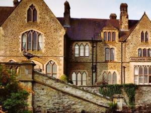 Mellington Hall