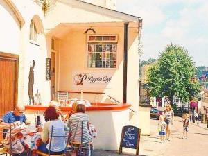 Poppys Cafe