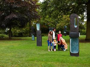 Barbara Hepworth, Family of Man, 1970