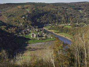 Tintern Welcomes Christmas