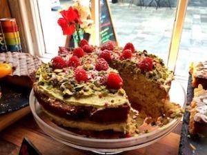 Cake at the Fig Tree