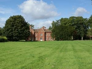 Bessingham Manor Sleeps 24