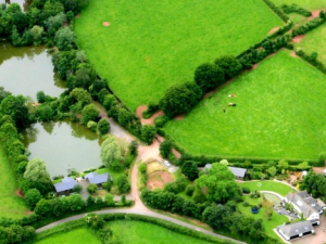 Farmhouse and Coarse fishing lakes