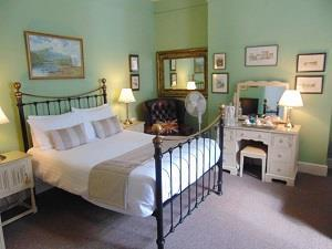 Holywell House Guesthouse