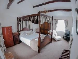The Penrhos Arms - Four Poster Room
