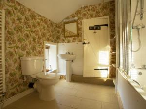 Bathroom at the Town Cottage, Llanidloes