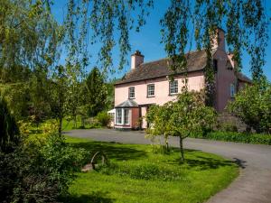 Gilestone Farmhouse