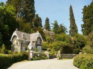 Broneirion Lodge from the road