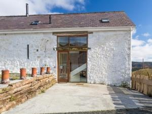 Merlin Barn Sleeps 6