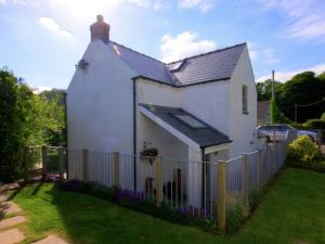 Detached - secure garden/terrace