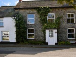 Bro Aeron Cottage - Dog Friendly - Sleeps 10